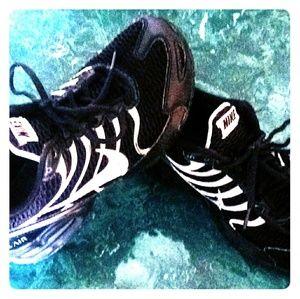 Women Nike Air max tennis shoes